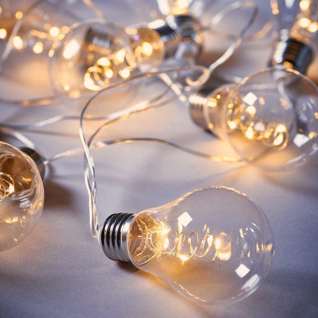 BRIGHT LIGHTS Světelný řetěz s LED žárovkami